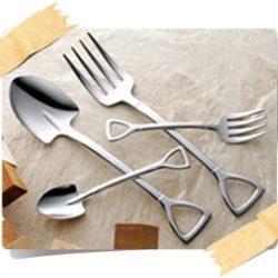 【食卓が工事現場に!?】スコップ型スプーン・フォーク